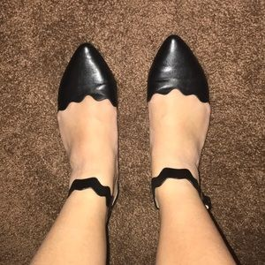 CL BY LAUNDRY BLACK POINTED FLATS